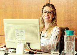 Dra. Karine Wippel Floriani Lenzi