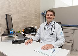 Dr. Tiago Martini